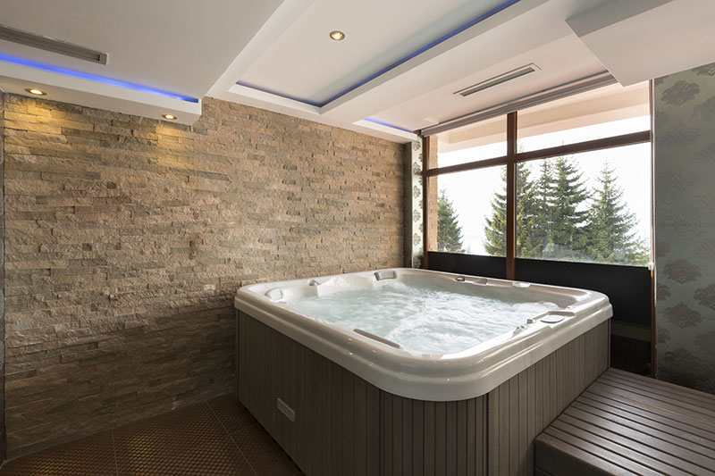 spa pool using hot water heat pump